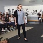 Nemzetközi sikerekre törnek az Óbudai Egyetem hallgatói formaruháikkal: videó