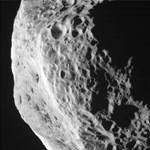 Izgalmas fotókat készített a NASA egy holdról