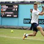 Teniszeredmények: hullanak az esélyesek