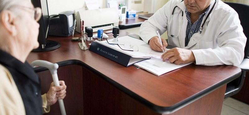 Egyre több helyen mentőtiszt viszi orvos helyett az ügyeletet
