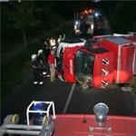 Száz hektár égett Zákánynál, felborult egy tűzoltóautó - fotó