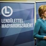 Egy zuglói fideszes képviselő is aláírt Lévai Katalinnak