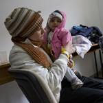 Rengeteg menekült érkezik betegen - orvosi jelentés Röszkéről