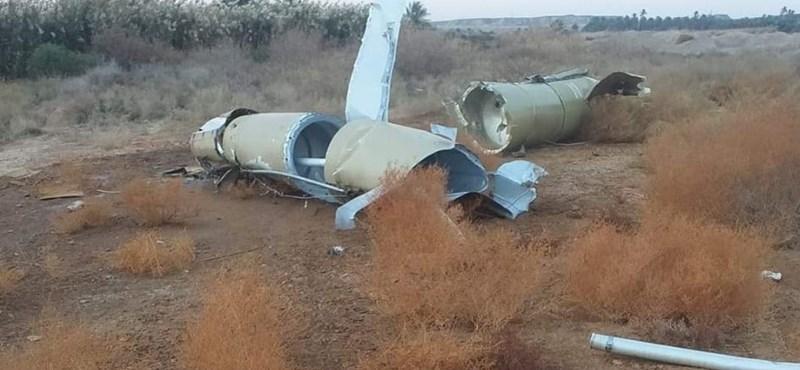 Buldózerrel tüntetik el az ukrán gép roncsait Iránban
