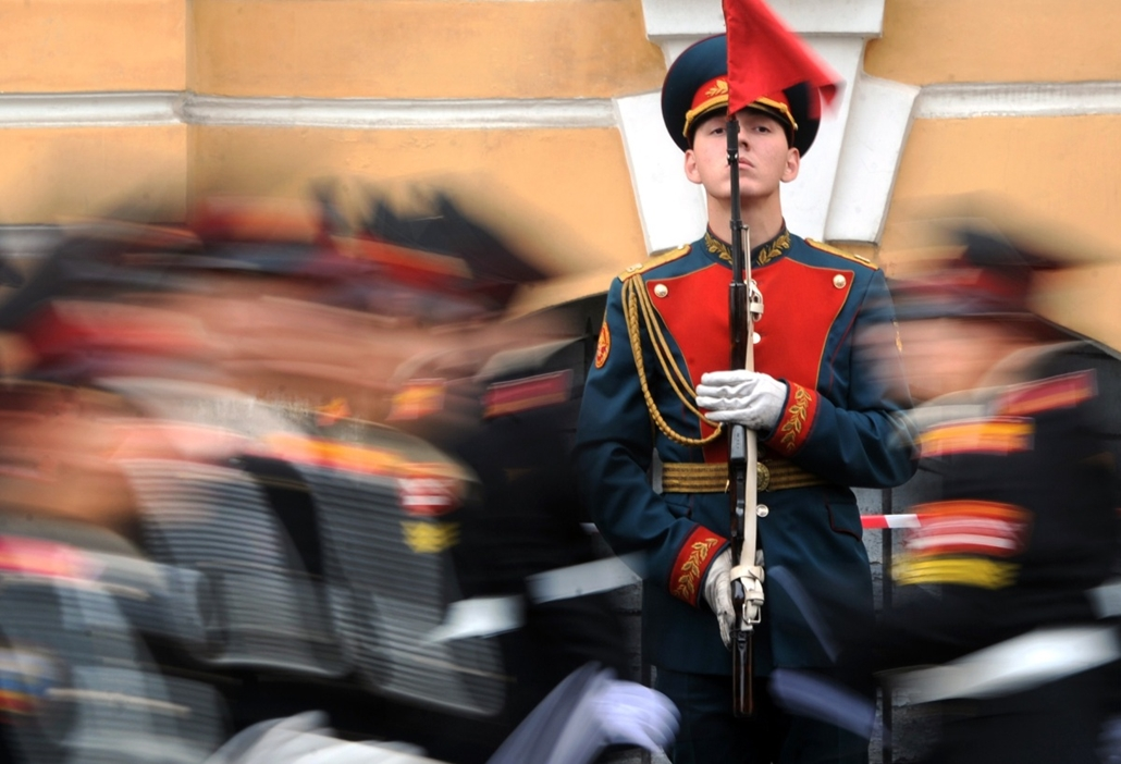 afp. hét képei - Szentpétervár, Oroszország, 2014.09.01. Russian cadets of the Suvorov military school parade on September 1, 2014 in Saint-Petersburg during a ceremony to mark the start of the academic year in Russia and many countries of the former Sovi