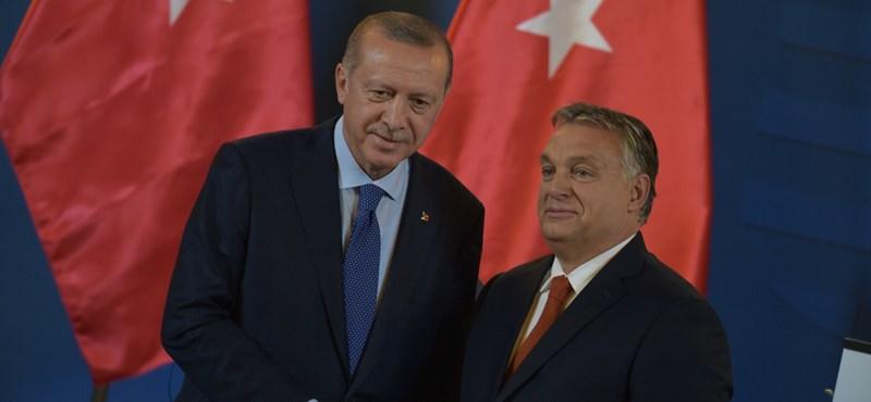 Nincs még vége az Erdogan miatti felfordulásnak, kedden folytatódik