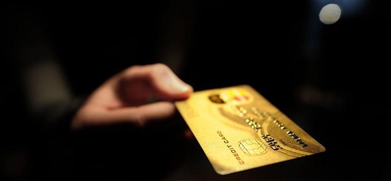 Mastercard-para: korábban már letiltott bankkártyákkal is vásárolhattak