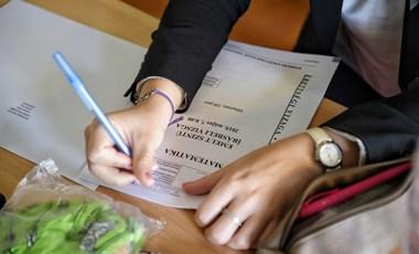 Felkészülés a matekérettségire távoktatás alatt: milyen tanulási módszerek és lehetőségek vannak?