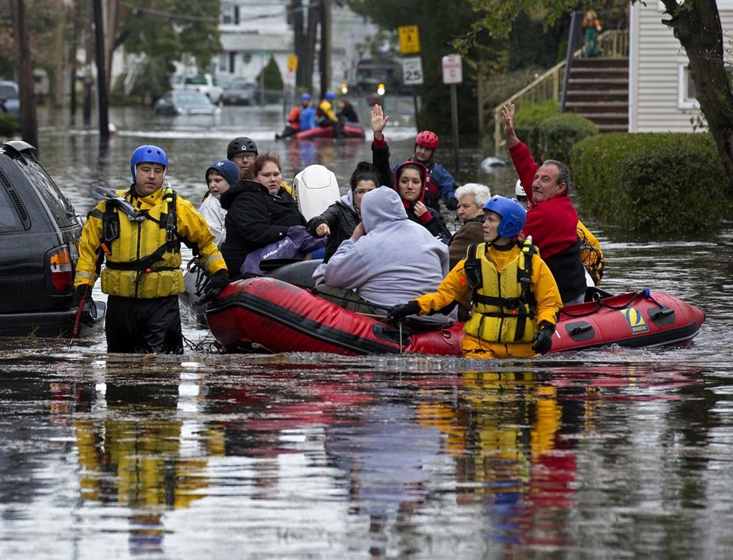 New Jersey: mentőosztag Little Ferryben  - Sandy hurrikán