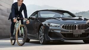 Stílusban passzoló bringát is kínálnak a BMW 8-as kupéhoz
