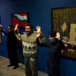 Kerényi kiállítása ellen tüntettek a Magyar Nemzeti Galériánál