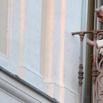 Ferenc pápa is gratulált 87. születésnapján XVI. Benedeknek