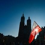 Jön a lengyeleknél márciustól a vasárnapi boltzár light