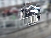 Videó: járókelők között raboltak ki egy idős férfit Ferencvárosban, senki sem állt meg segíteni