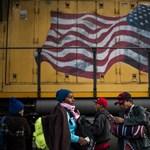 Könnygázt vetettek be a menekültek ellen az amerikai határon, Mexikó vizsgálatot kér