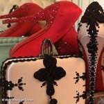 Akarjuk: Dita Von Teese cipője