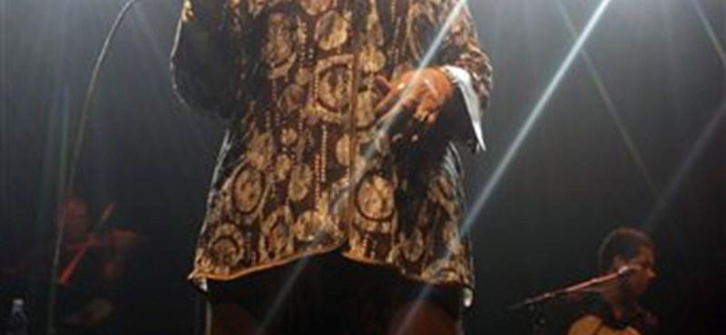 Elhunyt Cesaria Evora énekesnő