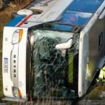 Iskolabusz-baleset Németországban: ketten meghaltak, húszan megsérültek