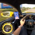 Bemutatta autópályán 332 km/h-s csúcssebességét a legújabb Porsche Turbo S