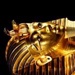 97 év után hozzányúlnak Tutanhamon fáraó aranyozott koporsójához