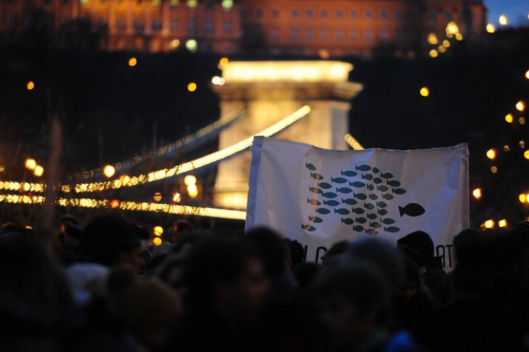 Tüntetés a Széchenyi téren (volt Roosevelt tér)