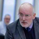"""Timmermans beleszaladt a Vadhajtásokba:""""No, no, no! From the people say, not government media!"""""""