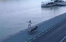 A Dunába szédült egy ittas férfi a Parlament előtt - videó