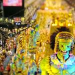 Játékbábúk vagy valódi emberek buliznak a Riói karneválon? (videó)