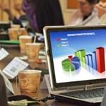 Online tanagyag segíti a közgazdászképzést az ELTE-n