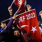Két év után vége a rendkívüli állapotnak Törökországban