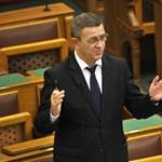 Jobbikos képviselő Rogán államtitkáráról: tisztességes háztartásban tasli jár a hazudozásért