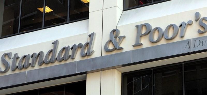 S&P: a magyar és a török gazdaság a legérzékenyebb az euróövezeti sokkokra
