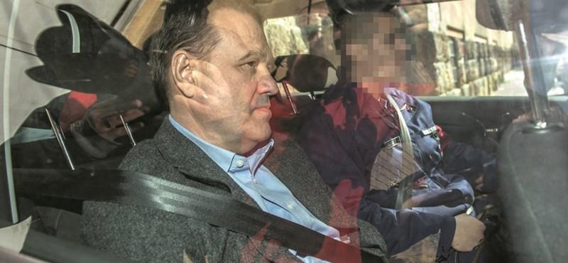 Tarsoly Csaba: aki elvesztette mindenét, miből tud tüntetni?
