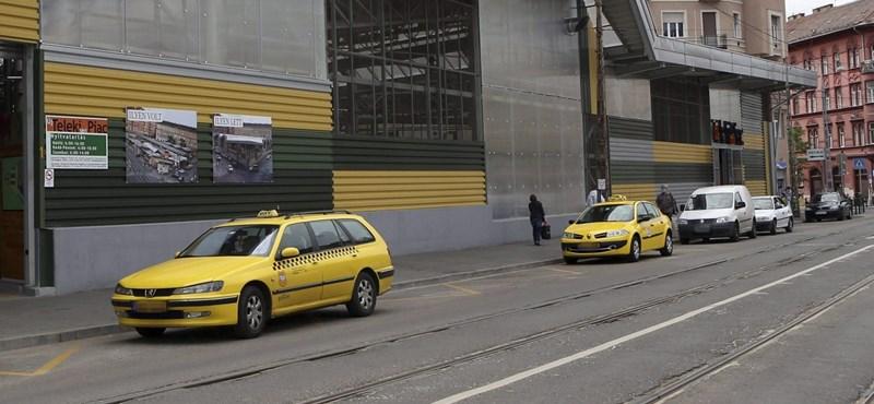 Durván megvertek egy budapesti taxist, életveszélyes állapotban van