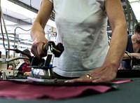 Pénzükért tüntettek a vásárosnaményi ruhagyár dolgozói