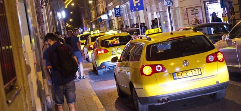 Egymást nyírják a taxitársaságok, de jó ez az utasoknak?
