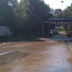 Fotók: Csőtörés van, áll a víz a Diós ároknál