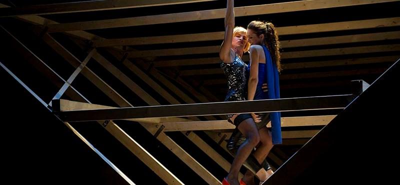 Tízmilliós önkormányzati kölcsönt kap a Bárka Színház