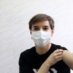Szerbiában ötven-száz embert oltanának be óránként a koronavírus ellen