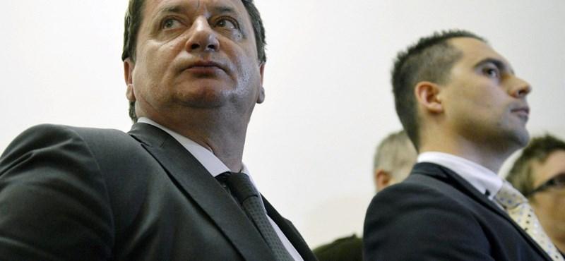 """""""Oroszbarát trójai faló"""" – a Jobbik orosz kapcsolatairól ír a Business Insider"""