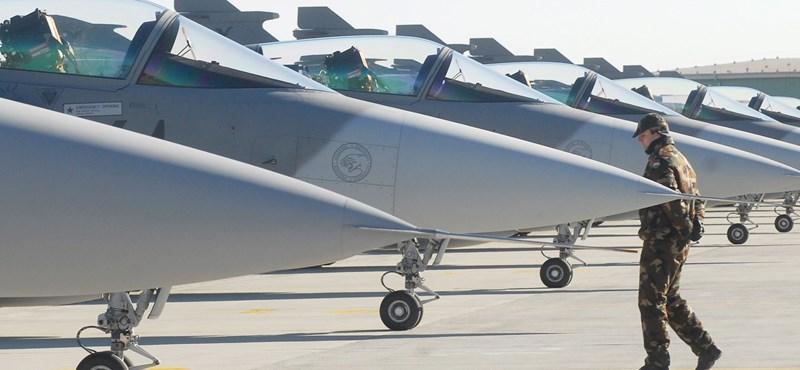 Kifizettetné a légitársaságokkal a Gripenek riasztási költségeit a kormány