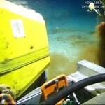 Több mint 14 millió tonna mikroműanyag heverhet az óceánok fenekén