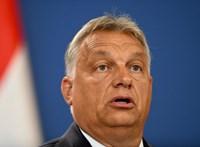 Simonyi szerint Orbán gerinctelen politikát folytat Amerikával szemben