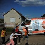 A Fideszről győzködik az edelényi romákat – Nagyítás fotógaléria