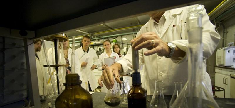 Átlagos feladatlapot kaptak a középszinten vizsgázók kémiából