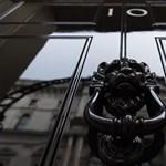 Koronavírus: megtiltják a hat főnél nagyobb csoportosulásokat Angliában