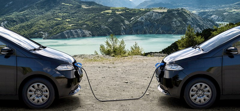 Segíts a másikon: egymást töltő villanyautók jönnek