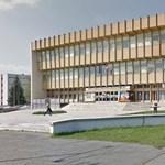 """Vidnyánszkyék """"kulturális teret foglalnak"""" az ellenzéki vezetésű Szombathelyen"""