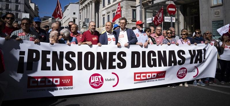 A spanyol idősek a tisztességes, átszámítva havi 340 ezer forintos átlagnyugdíjért tüntettek