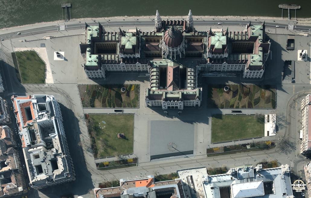 e! NAGYÍTÁS Kossuth tér elnéptelenedett budapest légi felvételek